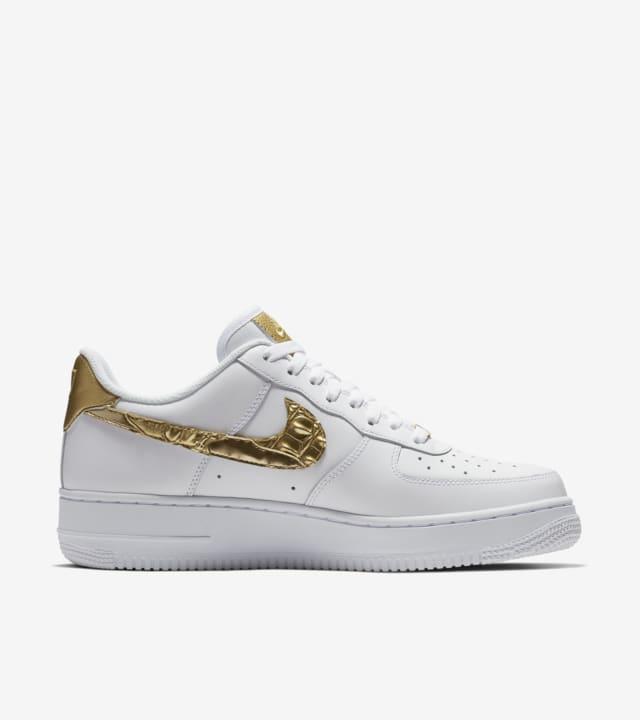 zapatillas nike air force doradas
