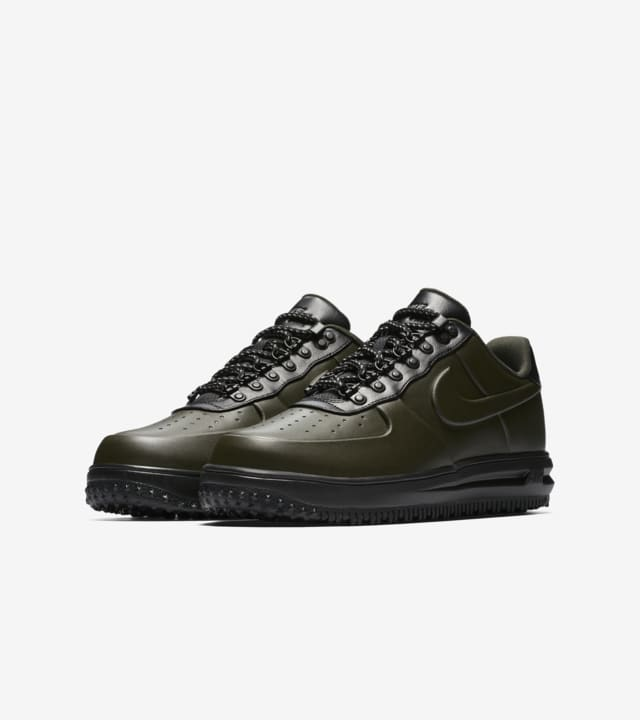 nike duck boot low