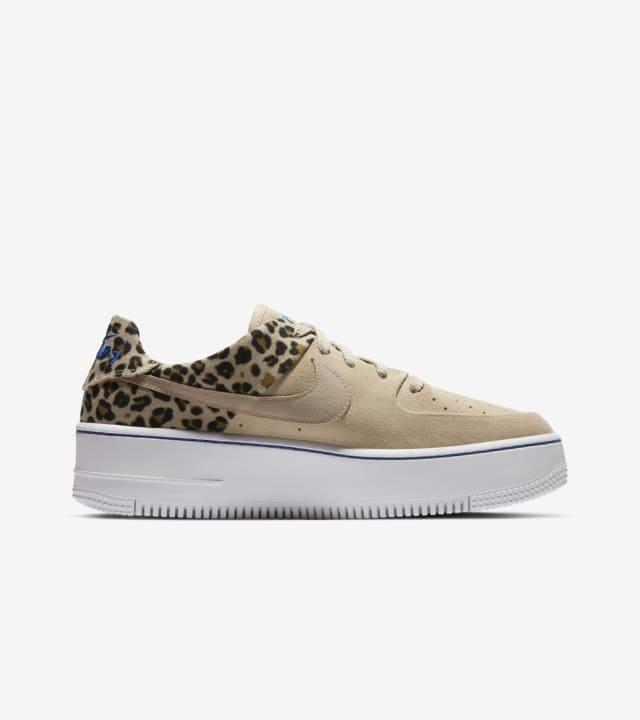 AF1 SAGE LOW). Nike SNKRS