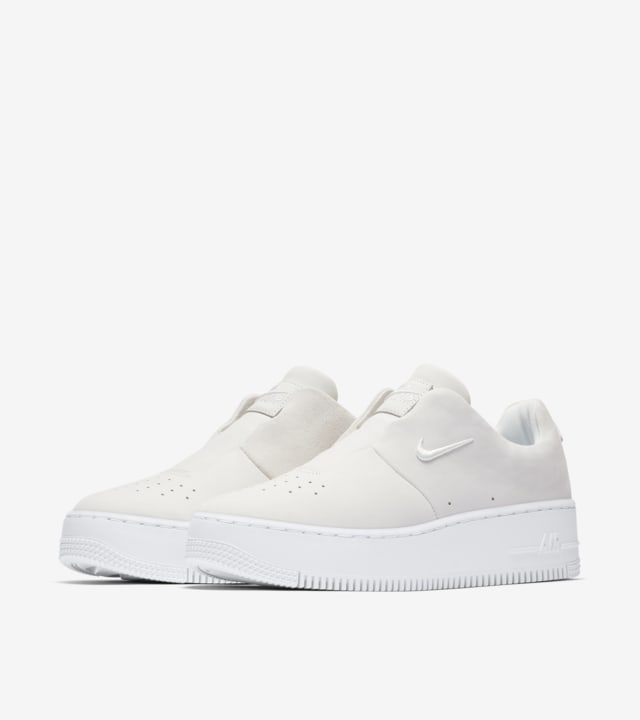 nike air force 1 sage nere