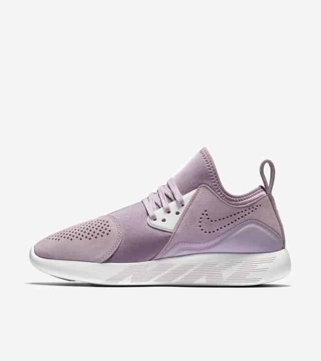 pandilla Remisión saludo  Women's Nike LunarCharge Premium 'Iced Lilac'. Nike SNKRS