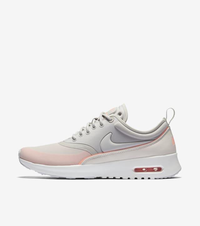 nuevo estilo y lujo estilo clásico seleccione para mejor Women's Nike Air Max Thea Ultra 'Iron Ore & Atomic Pink'. Nike SNKRS