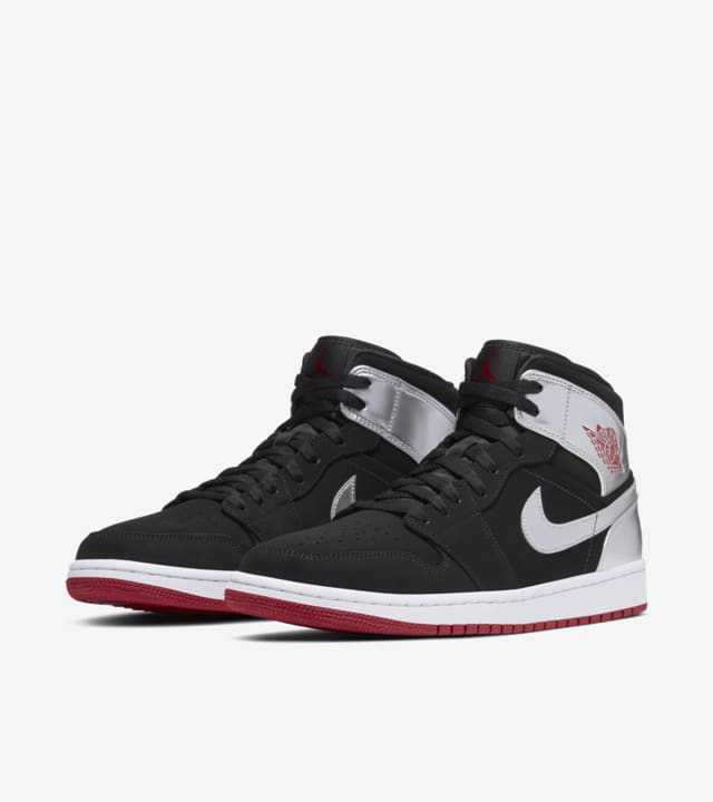 Air Jordan 1 Mid 'Black and Metallic