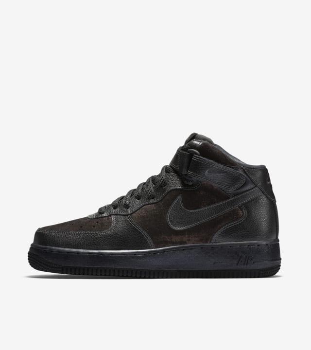 Nike Air Force 1 07 Mid Premium