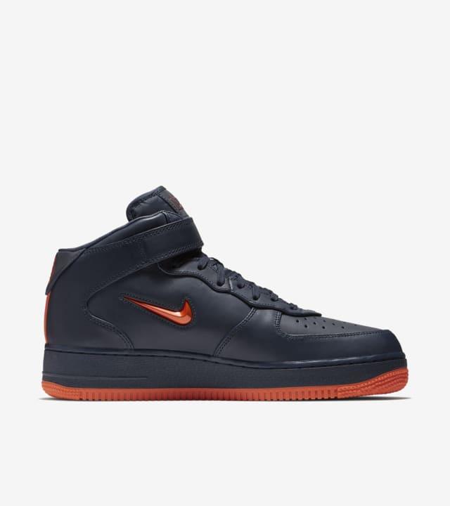 Nike Air Force 1 Mid arancione