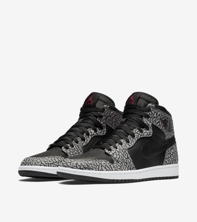 Air Jordan 1 Retro 'Black Cement Grey