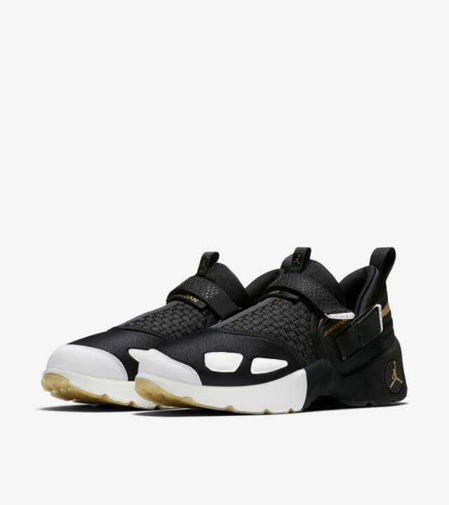 Jordan Trunner LX 'BHM' 2017. Nike SNKRS FI