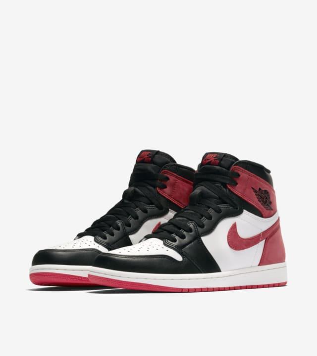 callejón maíz comodidad  Nike Air Jordan 1 'Summit White & Track Red & Black' Release Date.  Nike SNKRS GB