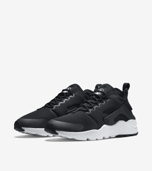 Australia Me gusta Abultar  Women's Nike Air Huarache Ultra 'Black & White'. Nike SNKRS