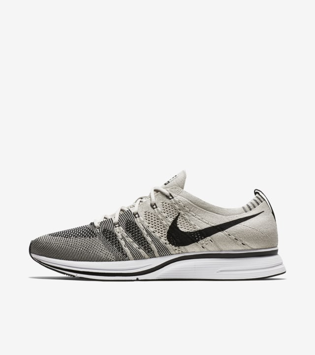 entrar Respectivamente Cartero  Nike Flyknit Trainer 'Pale Grey' Release Date. Nike SNKRS