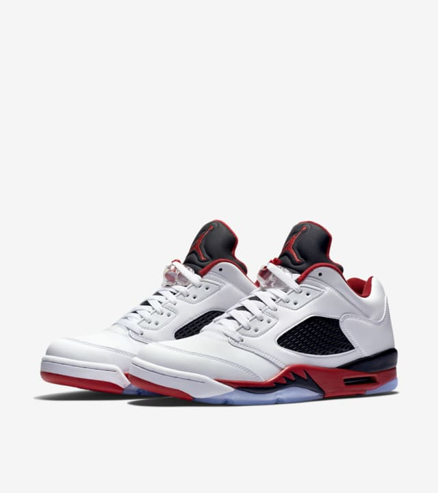 Jardines sufrimiento A tiempo  Air Jordan 5 Retro Low 'Fire Red' Release Date. Nike SNKRS
