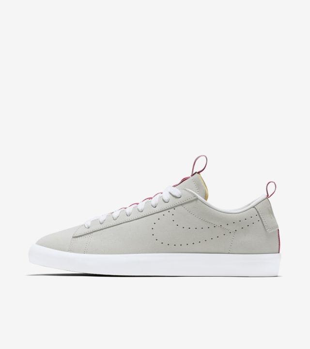 Nike Blazer Low SB x Call Me 917