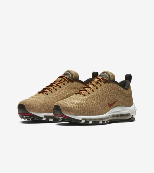 chaussure nike gold