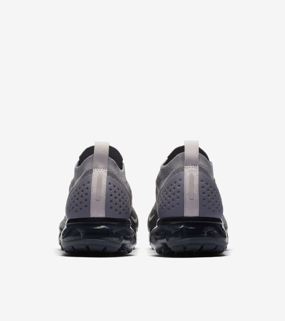 0990fce740dc Nike Women s Air Vapormax Moc 2  Gunsmoke   Blackened Blue  Release ...