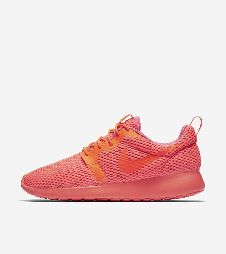 7f1452430a62 Women s Nike Roshe One Breathe  Total Crimson . Nike+ SNKRS