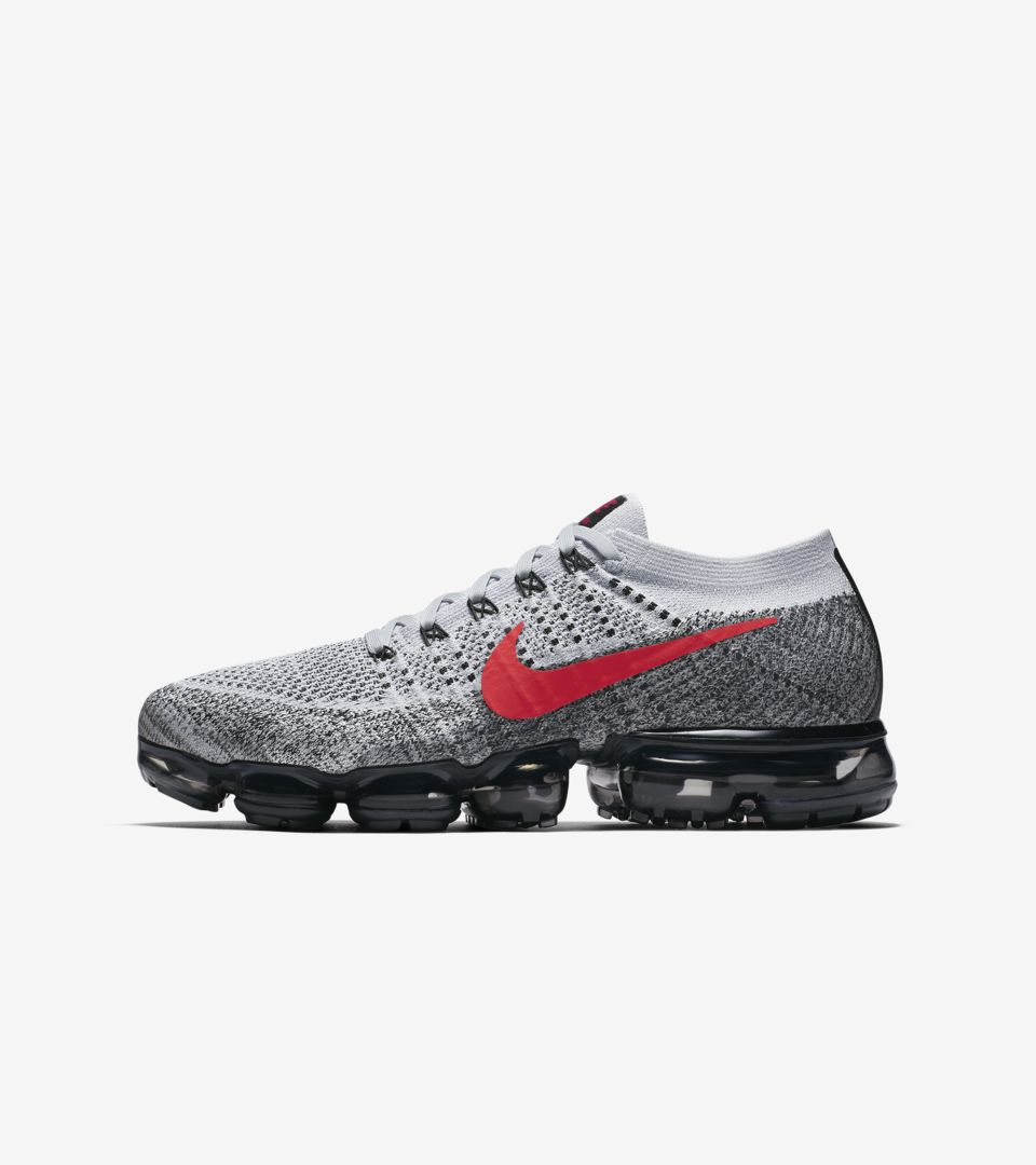 e776712f Nike Air Vapormax 1 OG 'Pure Platinum & University Red' Release Date ...