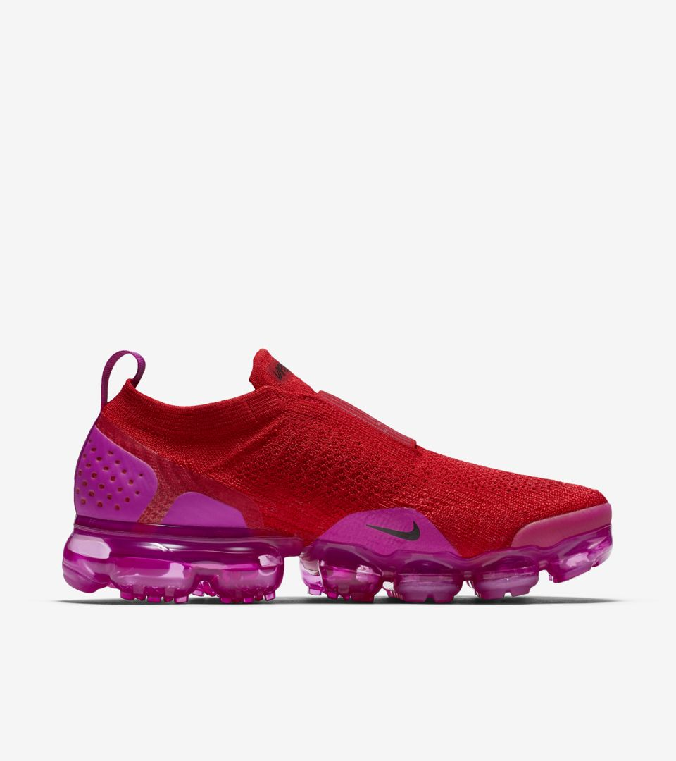 586b31a1907 Nike Women s Air Vapormax Moc 2  University Red   Fuchsia Blast ...