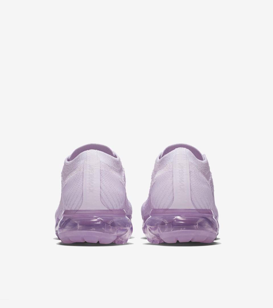 98915682ed84 Women s Nike Air VaporMax Flyknit Day to Night  Light Violet . Nike ...