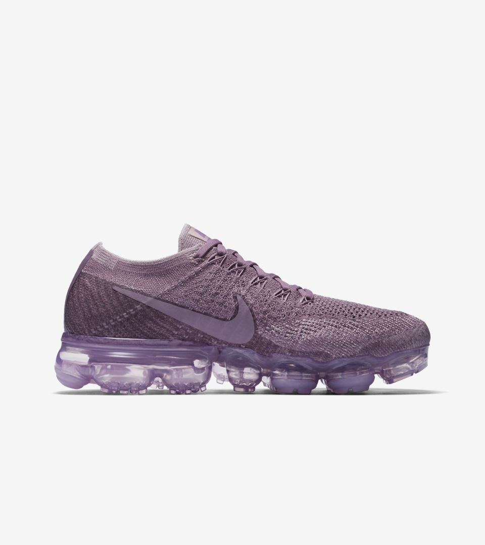 1e40cccc792 DAY TO NIGHT. WMNS AIR VAPORMAX FLYKNIT WMNS AIR VAPORMAX FLYKNIT WMNS AIR  VAPORMAX FLYKNIT ...