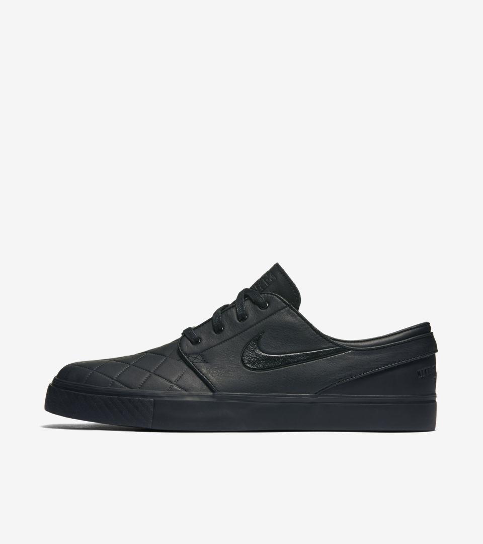 exilio superávit absceso  Nike SB Zoom Stefan Janoski Elite 'Triple Black'. Nike SNKRS
