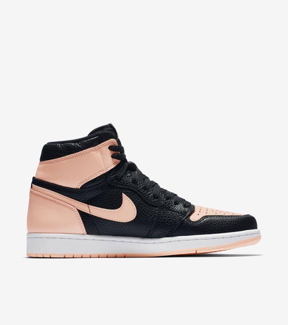 official photos c9347 e0bea Air Jordan 1  Black   Hyper Pink  Release Date