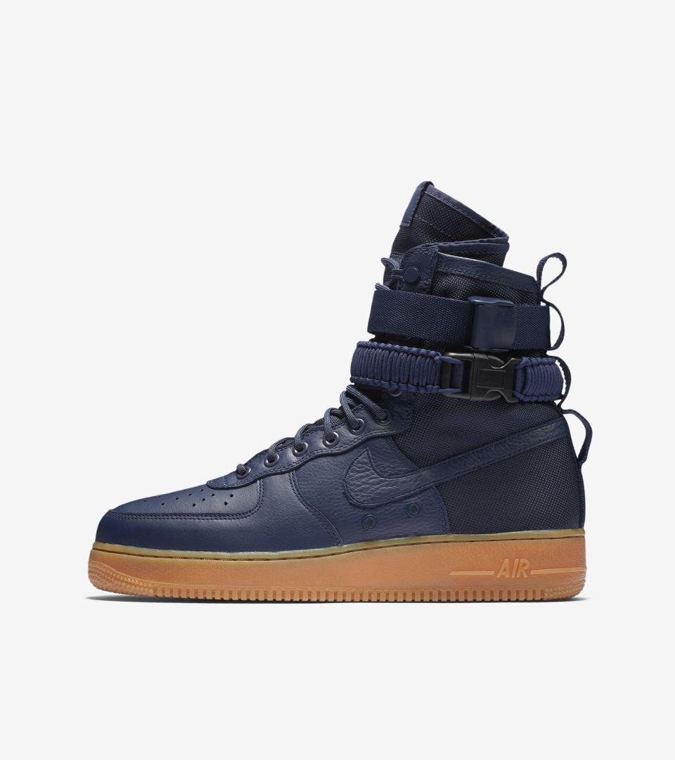"Nike SF AF 1 ""Black & Midnight Navy</p>                     </div>   <!--bof Product URL --> <!--eof Product URL --> <!--bof Quantity Discounts table --> <!--eof Quantity Discounts table --> </div>                        </dd> <dt class="