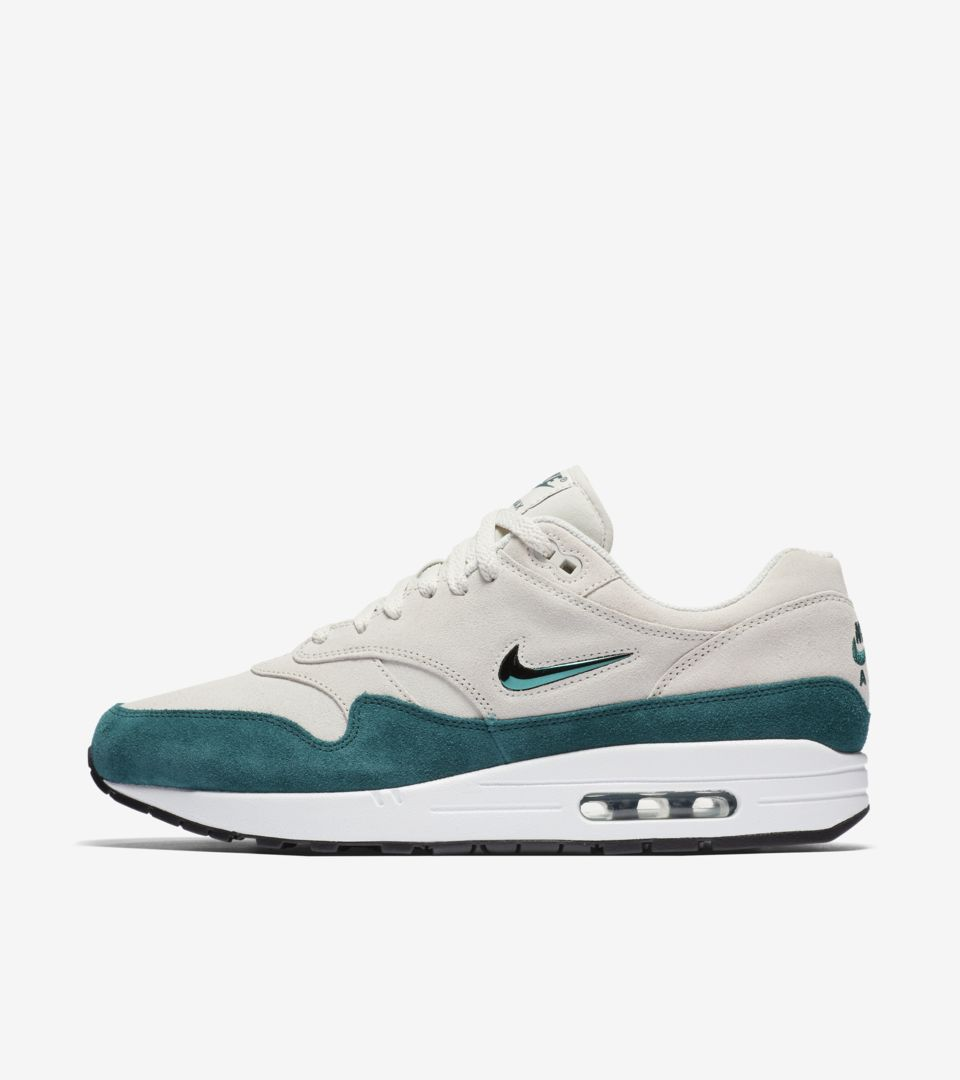 authentic quality the cheapest wide varieties Nike Air Max 1 Premium 'Emerald Green'. Nike SNEAKRS GB