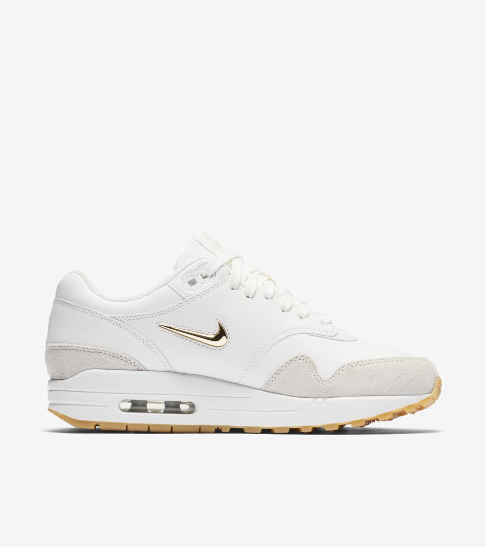 Nike Women S Air Max 1 Premium Summit White Amp Metallic Gold