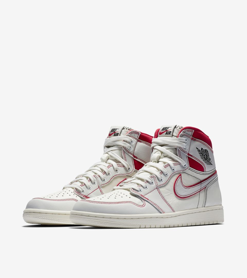 Air Jordan 1 Retro High OG Phantom