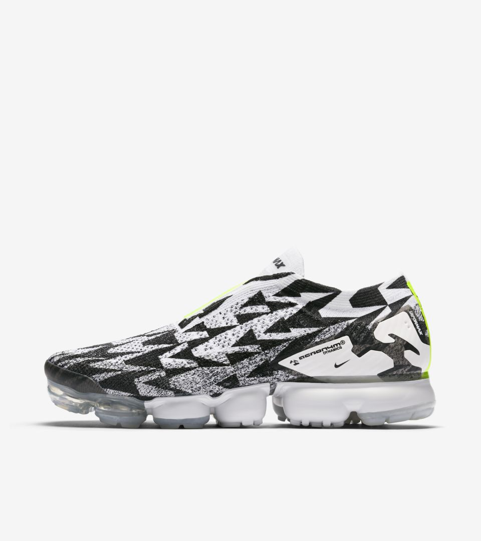 9c1045d495b45 Nike Air Vapormax Moc 2 Acronym  Light Bone   Black   Volt  Release ...