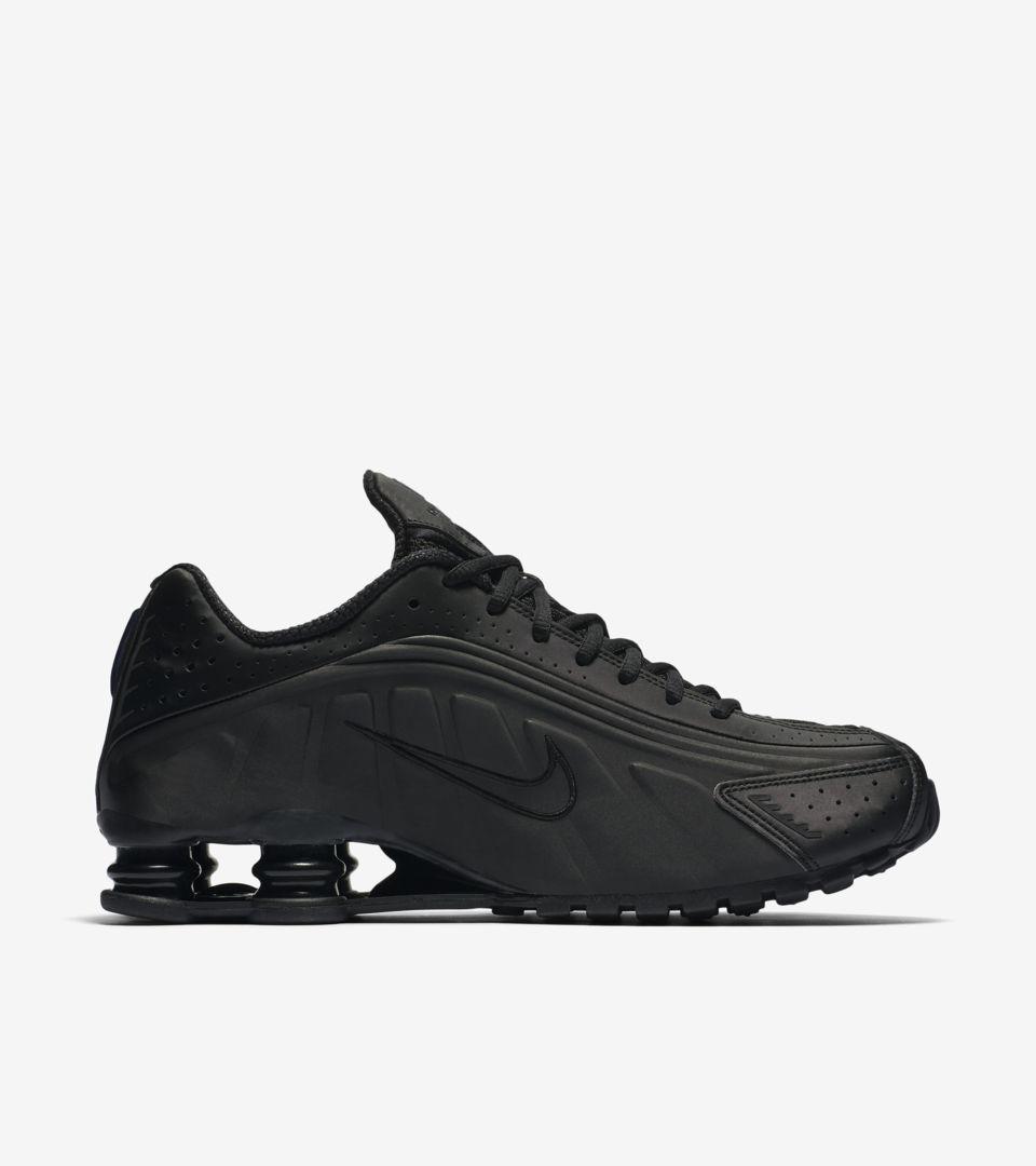 97416c940e64 Nike Shox R4  Triple Black  Release Date. Nike+ SNKRS