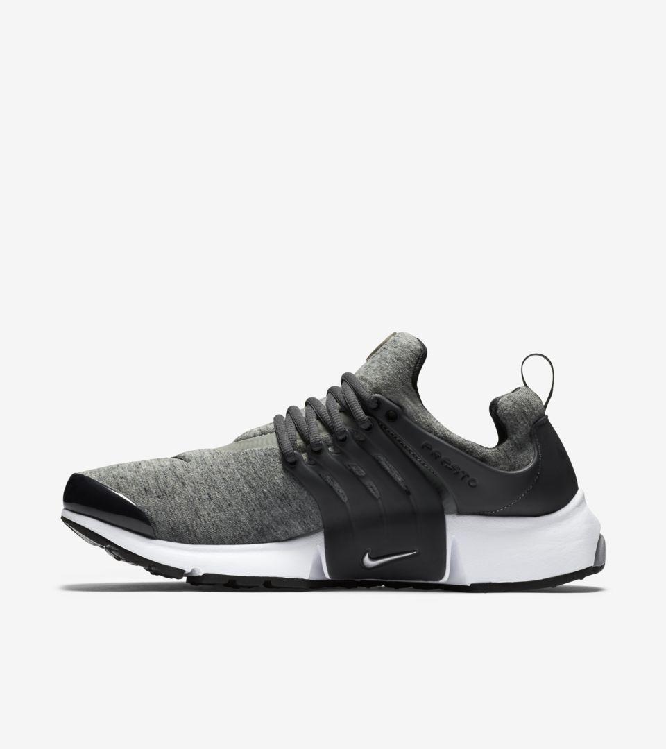 cheaper 78ffa 4faa3 Nike Air Presto  Tech Fleece Black   Grey  Release Date. Nike+ SNKRS