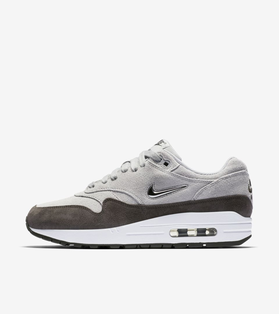 Nike Womens  Air Max 1 Premium  Wolf Grey   Metallic Pewter   White ... 2c91c81d42