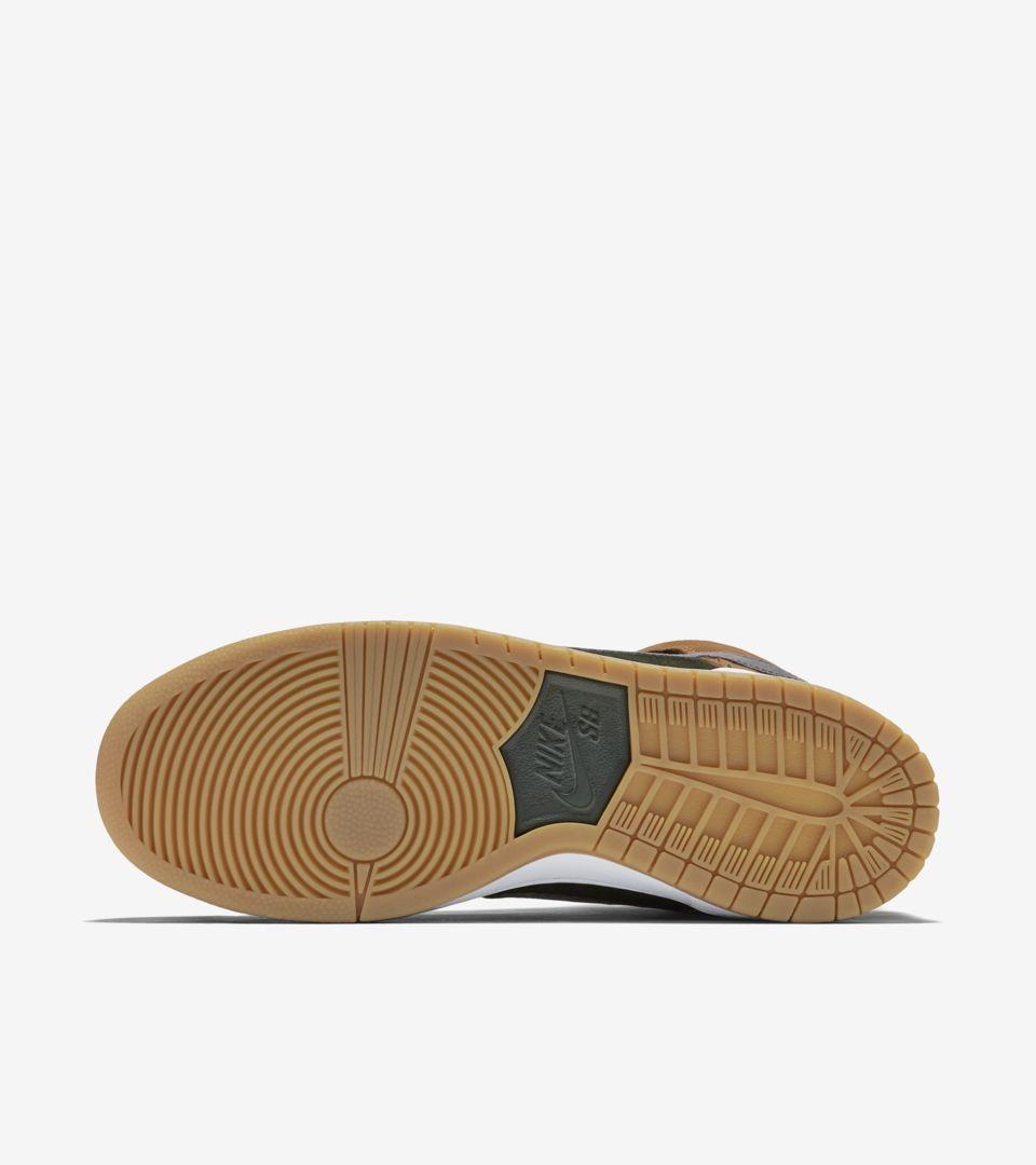 the latest 1e58f 39c84 Nike SB Dunk High Premium 'Homegrown'. Nike+ SNKRS
