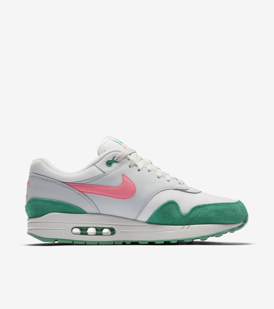 huge discount 0f126 b2a3f Nike Air Max 1  Summit White  amp  Sunset Pulse  Release Date. Nike ...