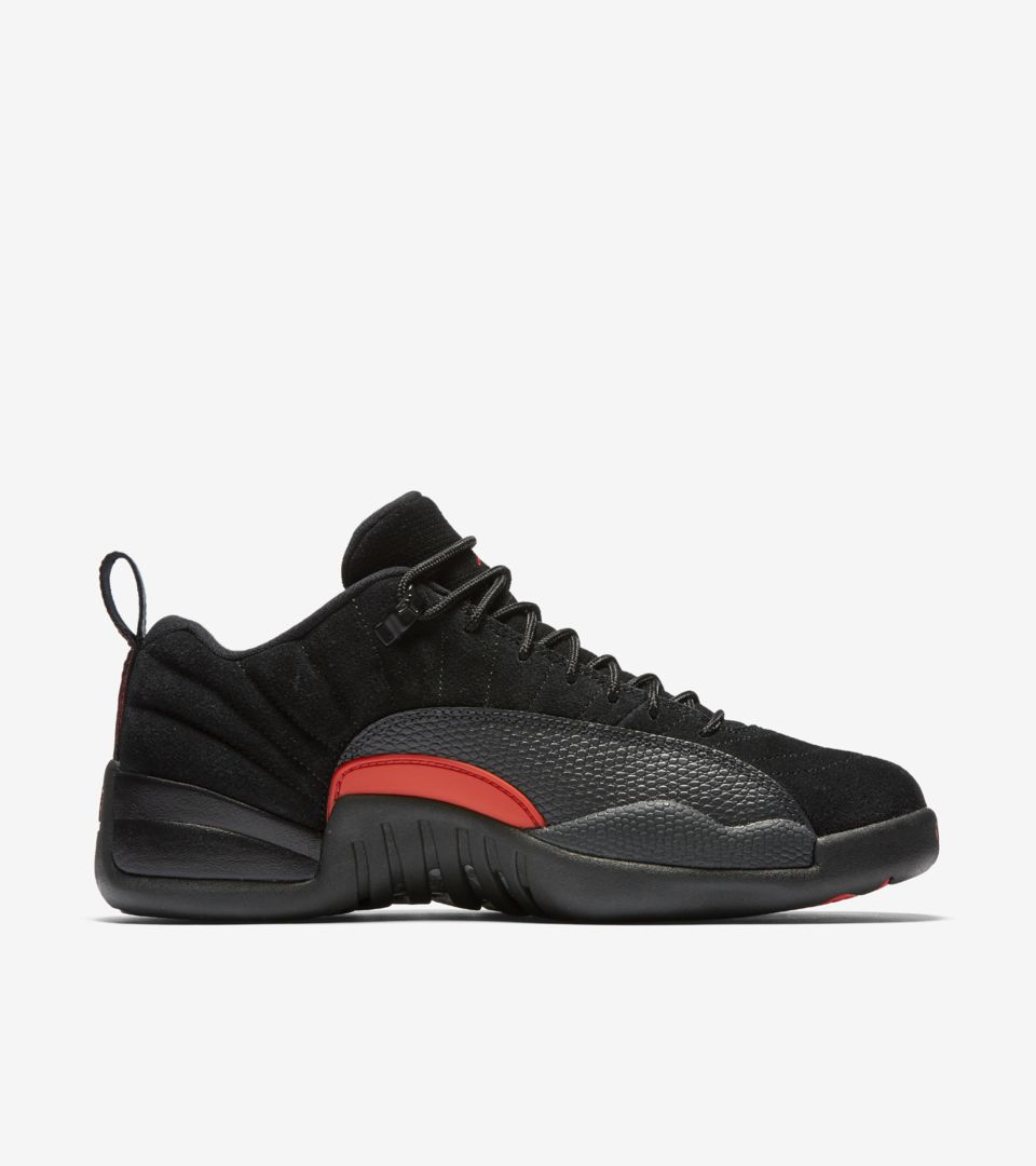 meilleur site web 12d13 c79db Air Jordan 12 Retro Low « Black & Max Orange ». Nike⁠+ ...