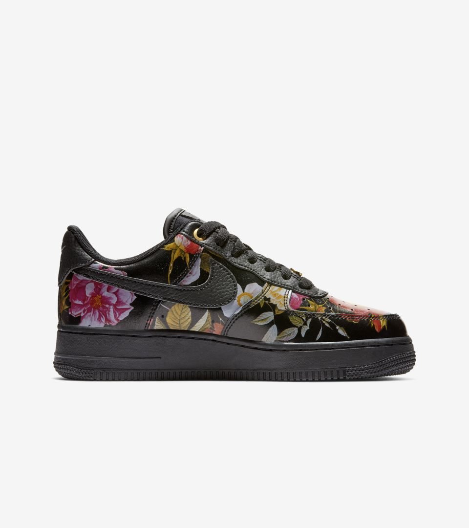 Women's Air Force 1 'Floral & Black'. Nike SNKRS