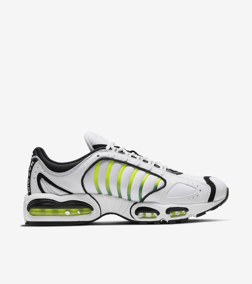newest e18be dd2e3 ... Air Max Tailwind IV  OG  Release ...
