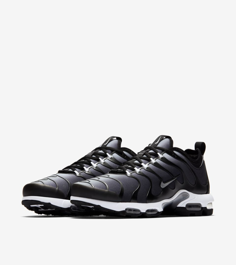 reputable site f66ee 54182 france nike air max tn plus black 8415e 452d7