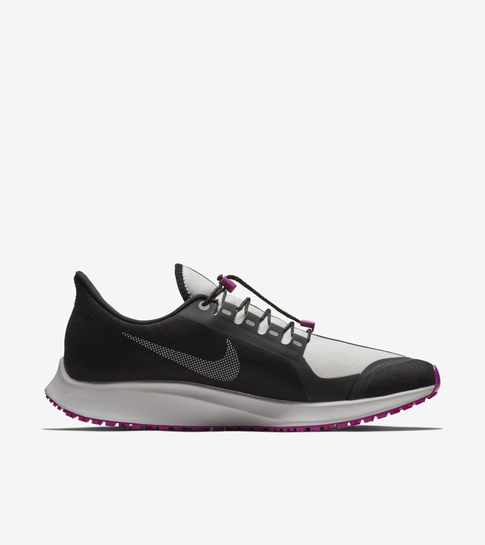 Air Zoom Pegasus 35 Shield 'Black & Hyper Violet & Vast Grey