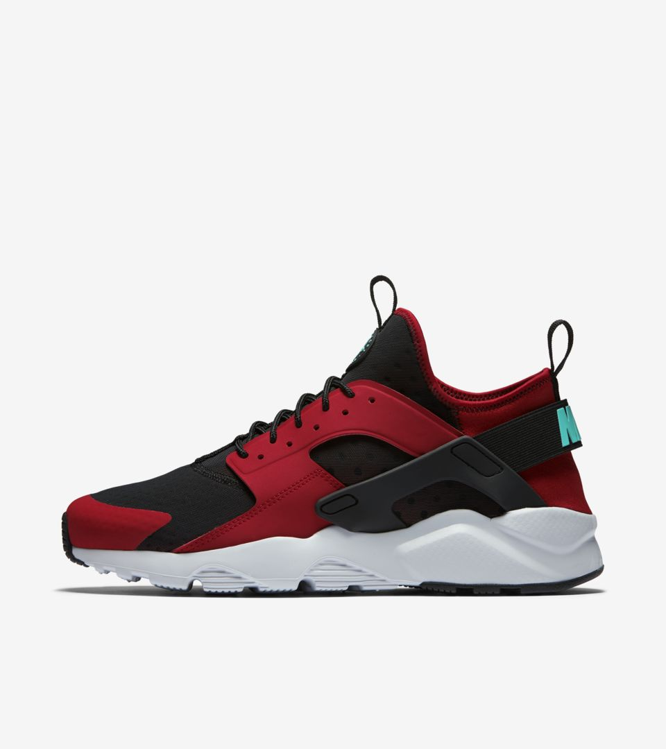 24dd8001fd0100 Nike Air Huarache Ultra  Black   Red . Nike⁠+ SNKRS