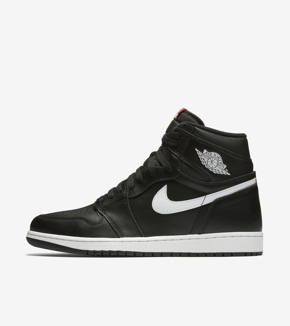 b1669fd0f78 Air Jordan 1 Retro High OG  Black   White  Release Date. Nike+ SNKRS