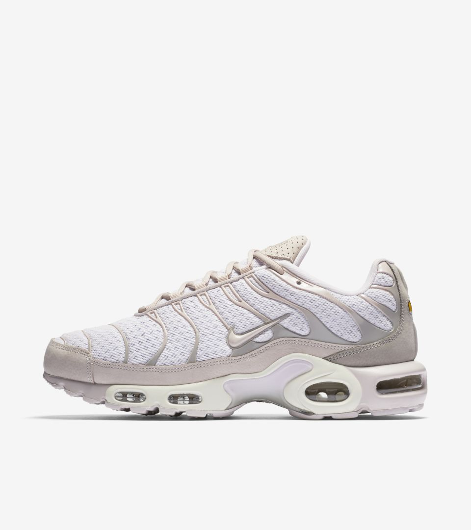 brand new 95635 af3e0 Nike Air Max Plus 'Pearl Pink'. Nike+ SNKRS