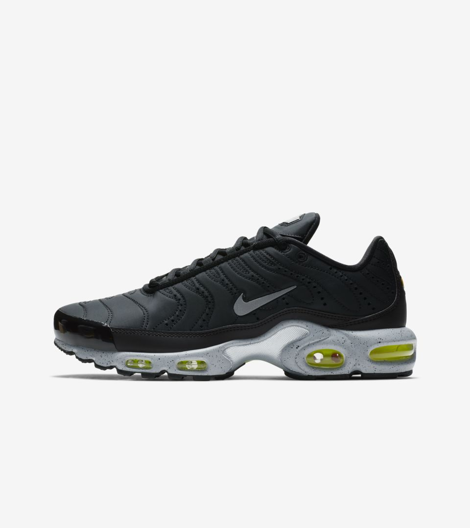 timeless design 50571 1bcad AIR MAX PLUS PRM. TUNED TO BLACK