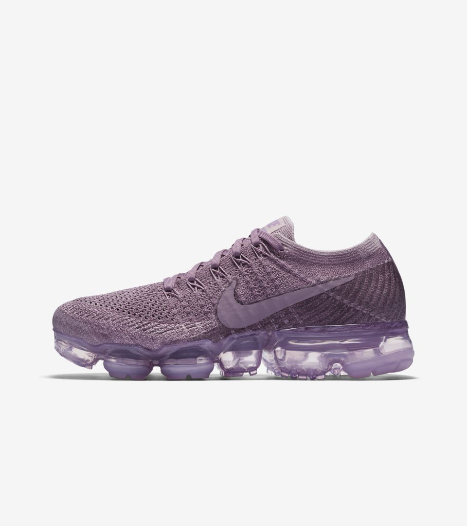 551702c79795 Women s Nike Air VaporMax Flyknit Day to Night  Violet Dust . Nike⁠+ ...