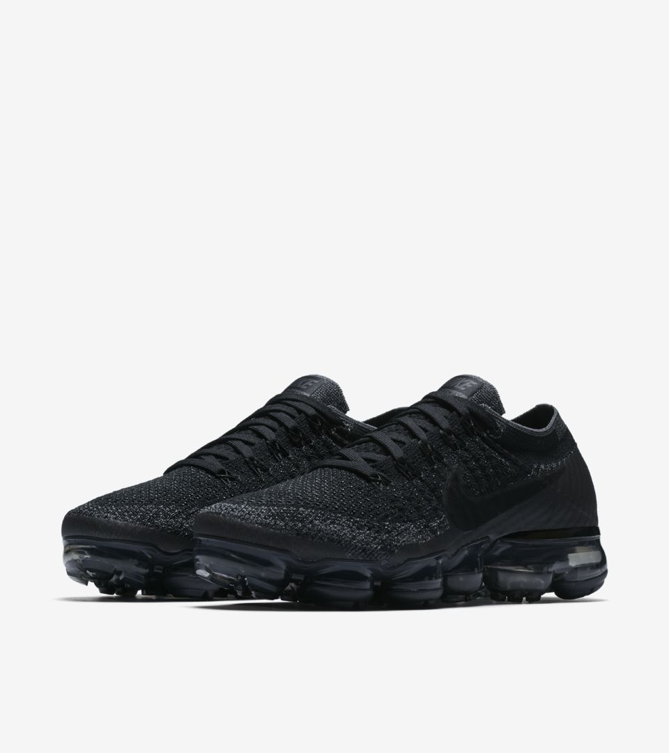 78f2652dbdb0 Shop all Nike Soccer. WMNS AIR VAPORMAX. 女款 AIR VAPORMAX FLYKNIT ...