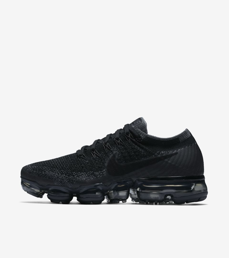 Shop all Nike Soccer. WMNS AIR VAPORMAX. 女款 AIR VAPORMAX FLYKNIT 女款 AIR  VAPORMAX FLYKNIT ... 276ba656e