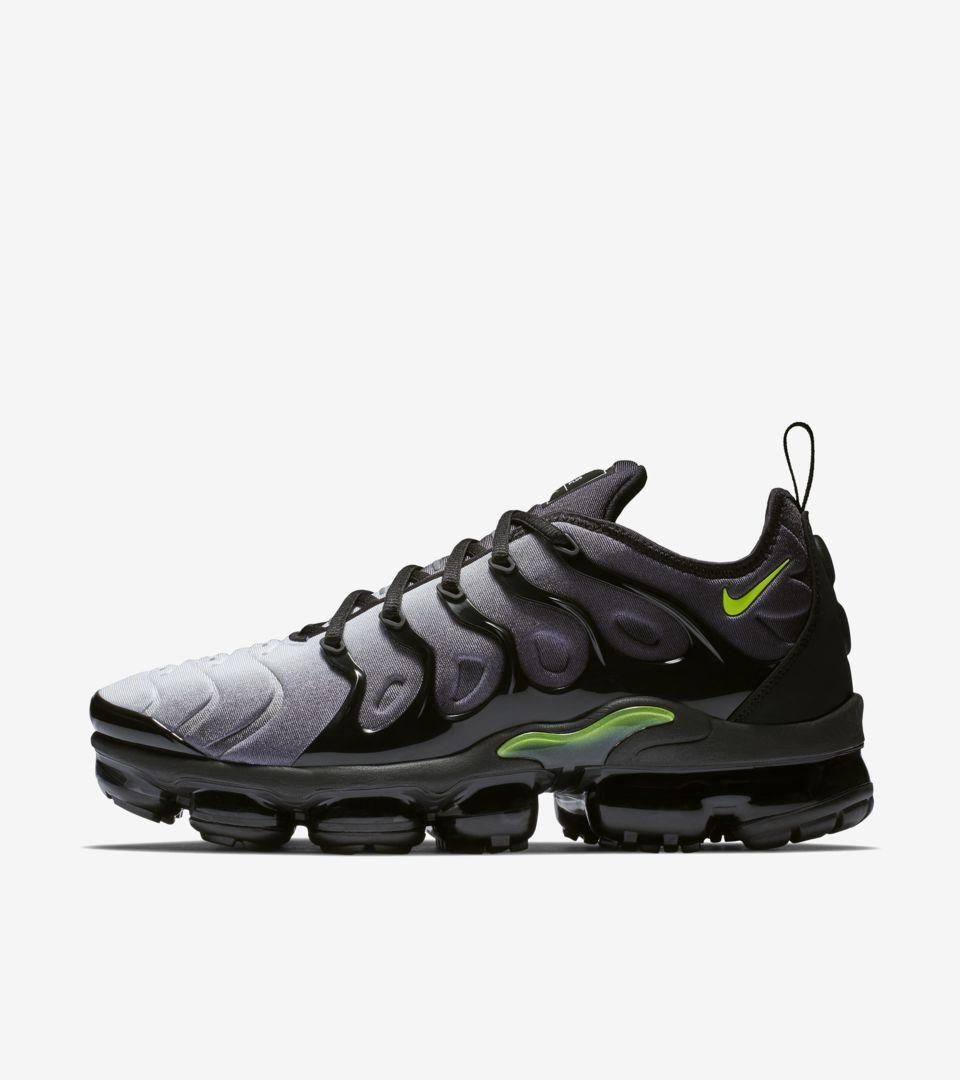 800654d9d9a Nike Air Vapormax Plus  Black   Volt  Release Date. Nike+ SNKRS