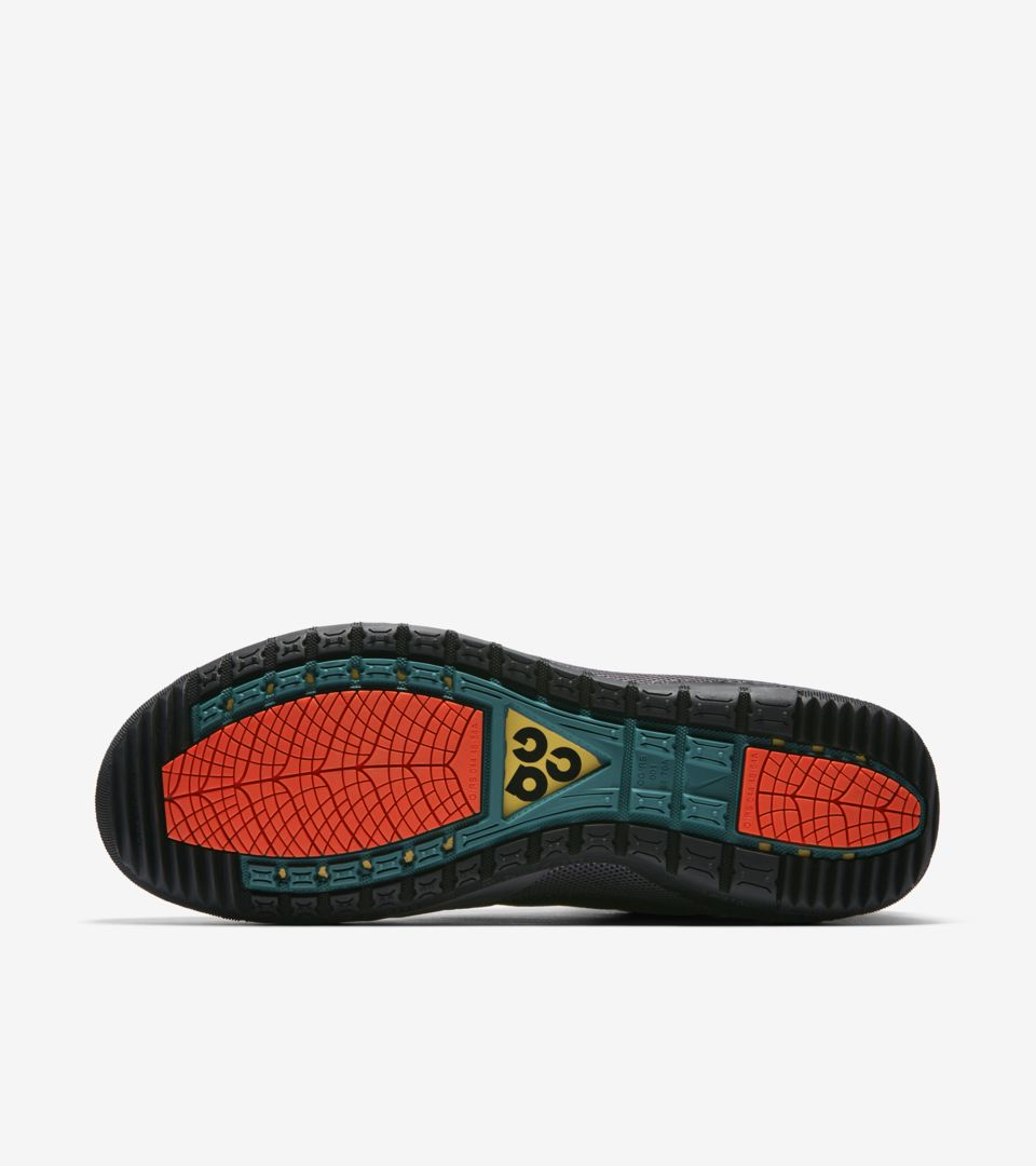 new styles 74d20 07364 ... Nike ACG Ruckel Ridge  Black   Geode Teal   Habanero Red  ...