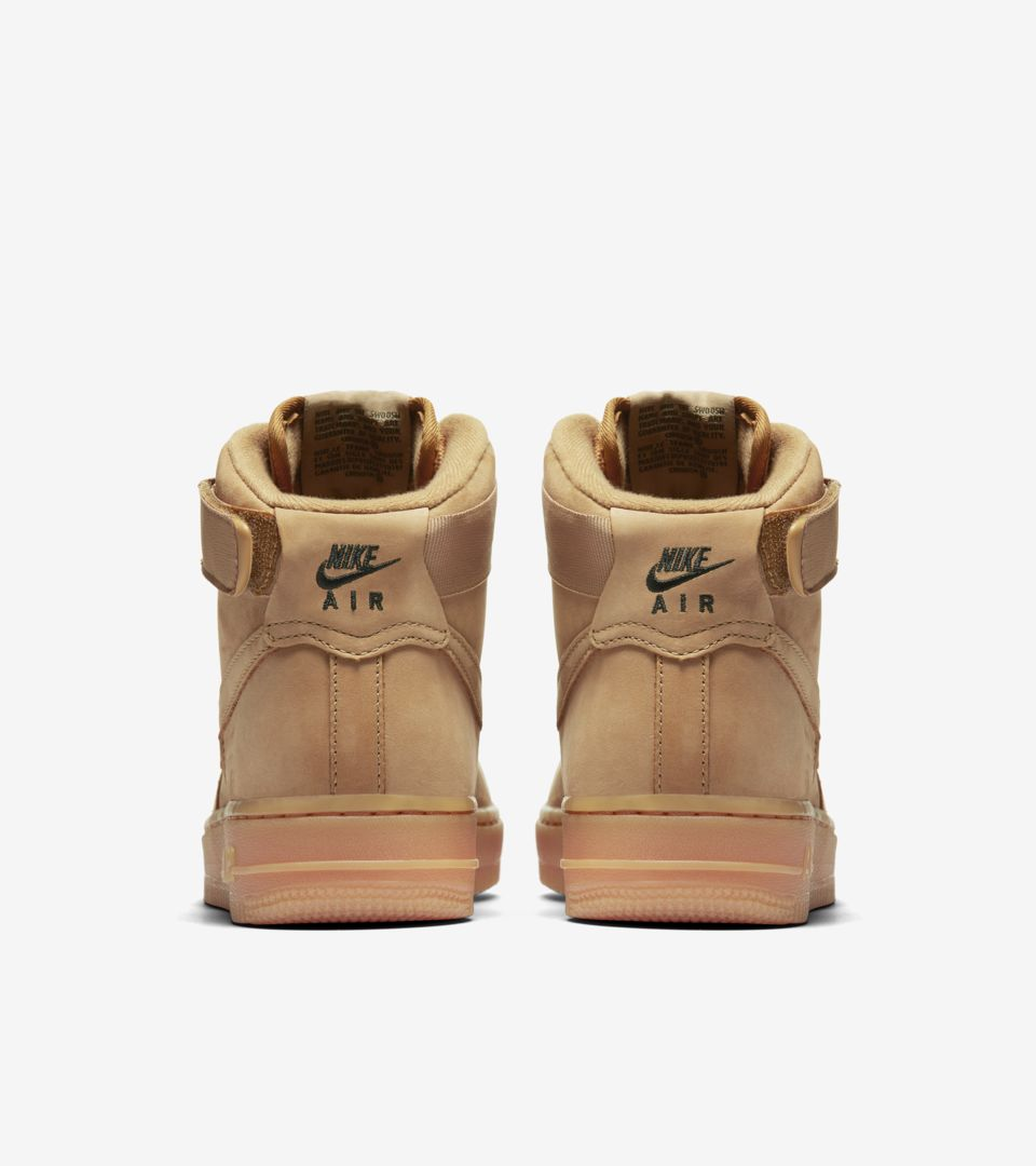Women's Nike Air Force 1 High 'Flax'. Nike SNKRS